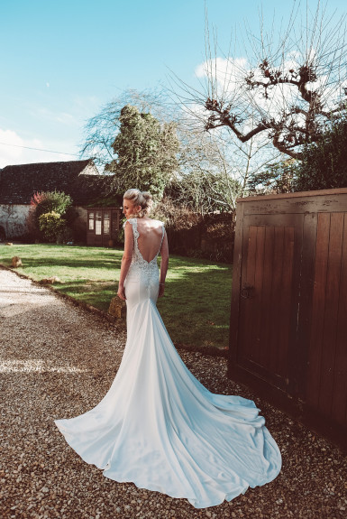 Kate & Mark – A rather pretty wedding!